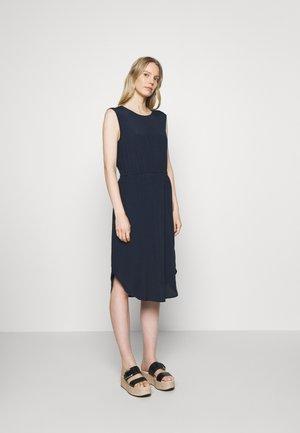 DRESS STRAP DETAIL AT BACK - Hverdagskjoler - scandinavian blue