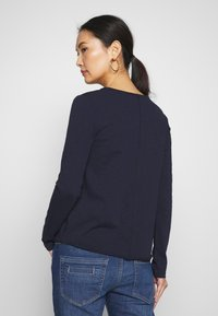 Marc O'Polo DENIM - LONGSLEEVE RAW CUT EDGES - Long sleeved top - scandinavian blue - 2