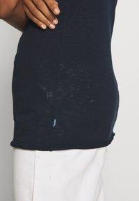 Marc O'Polo DENIM - HALFSLEEVE - Jednoduché triko - scandinavian blue - 5
