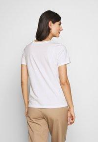 Marc O'Polo DENIM - SHORT SLEEVE FRONT  - Print T-shirt - scandinavian white - 2