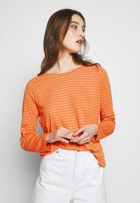 Marc O'Polo DENIM - Long sleeved top - multi/flash orange - 3