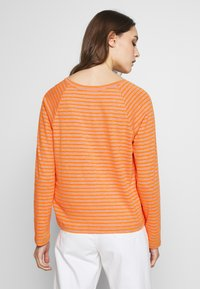 Marc O'Polo DENIM - Long sleeved top - multi/flash orange - 2
