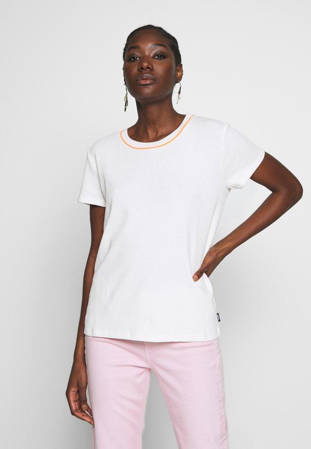 SHORT SLEEVE - T-shirts basic - scandinavian white