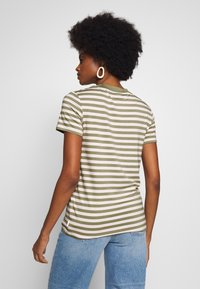 Marc O'Polo DENIM - SHORT SLEEVE STRIPE WITH CONTRAST NECKLINE - Triko s potiskem - multi/bleached olive - 2