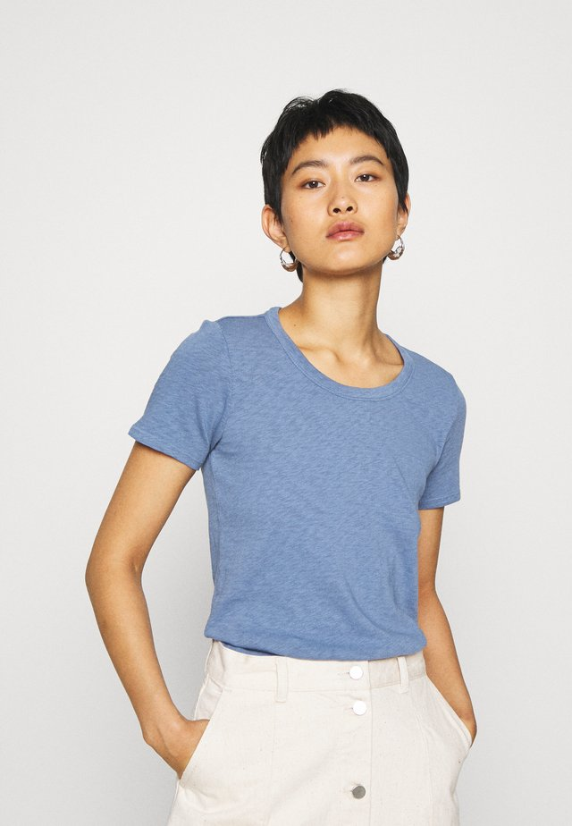 SHORT SLEEVE CREWNECK SLIM FIT - T-shirts - blue fantasy