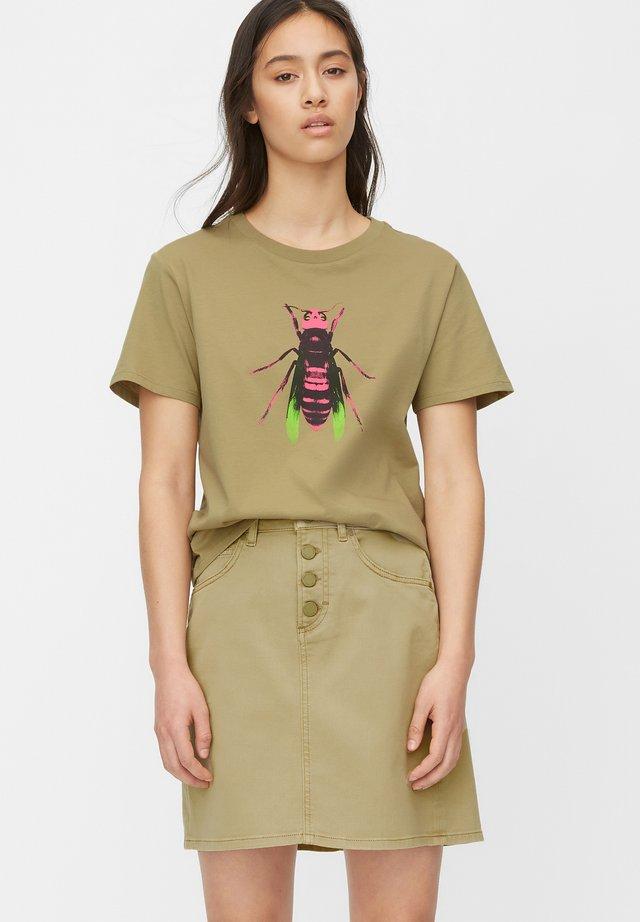 T-shirt print - bleached olive