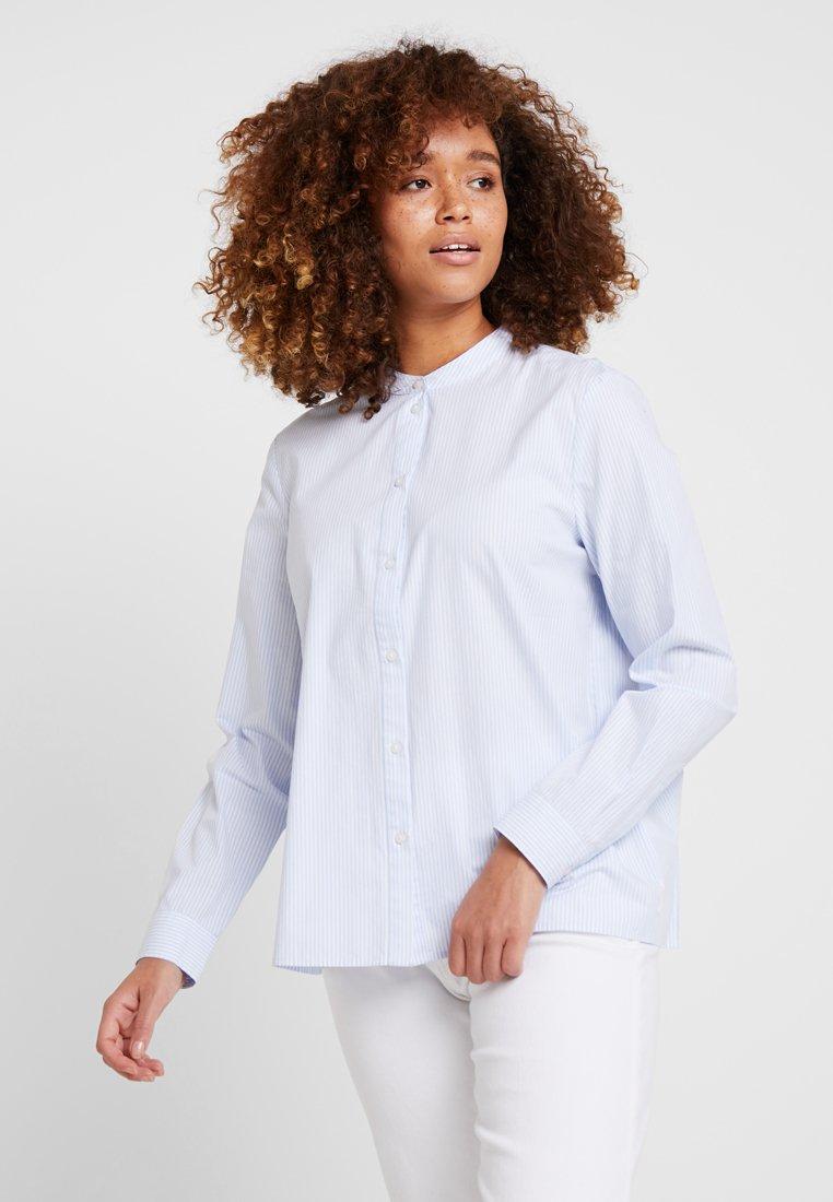 Marc O'Polo DENIM - BLOUSE PLEATS AT BACK - Button-down blouse - white/blue