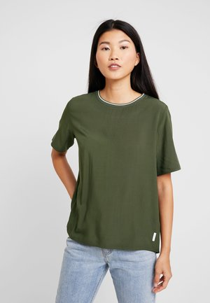 Basic T-shirt - action green