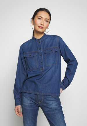 HALF PLACKET PATCHED POCKET - Blouse - january blue