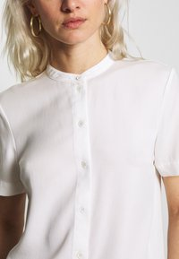 Marc O'Polo DENIM - Button-down blouse - scandinavian white - 5
