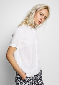 Marc O'Polo DENIM - Button-down blouse - scandinavian white - 3