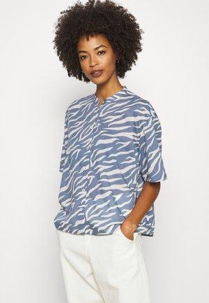 BLOUSE - Button-down blouse - blue fantasy