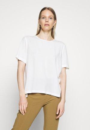 Blouse - scandinavian white
