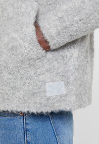 Marc O'Polo DENIM - LONG SLEEVE HOOD POCKET - Gilet - cement grey - 5