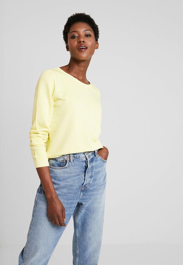 CREW NECK - Sweatshirt - yellow cream
