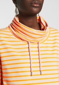 Marc O'Polo DENIM - TUBE NECK STRIPED RELAX FIT DRAWSTRING DETAIL - Long sleeved top - multi - 3