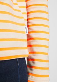 Marc O'Polo DENIM - TUBE NECK STRIPED RELAX FIT DRAWSTRING DETAIL - Long sleeved top - multi - 5