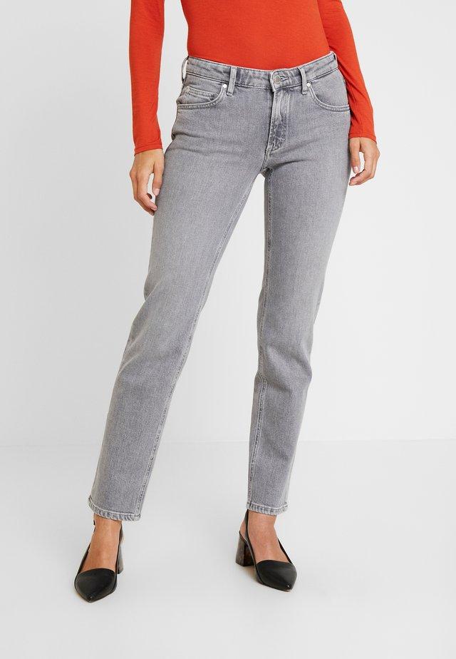 ALVA MID STRAIGHT CROPPED - Straight leg -farkut - mid grey