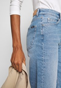 Marc O'Polo DENIM - TOMMA - Jeans a sigaretta - light summer wash - 3