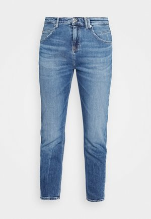 FREJA BOYFRIEND - Relaxed fit jeans - multi/mid blue marble