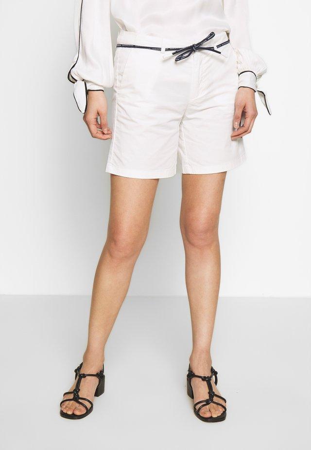 TURN UP BELT LOOPS ROUND DRAW STRING - Shorts - scandinavian white