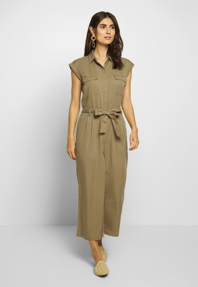 OVERALL PATCH ON POCKETS BELT - Tuta jumpsuit - bleached olive