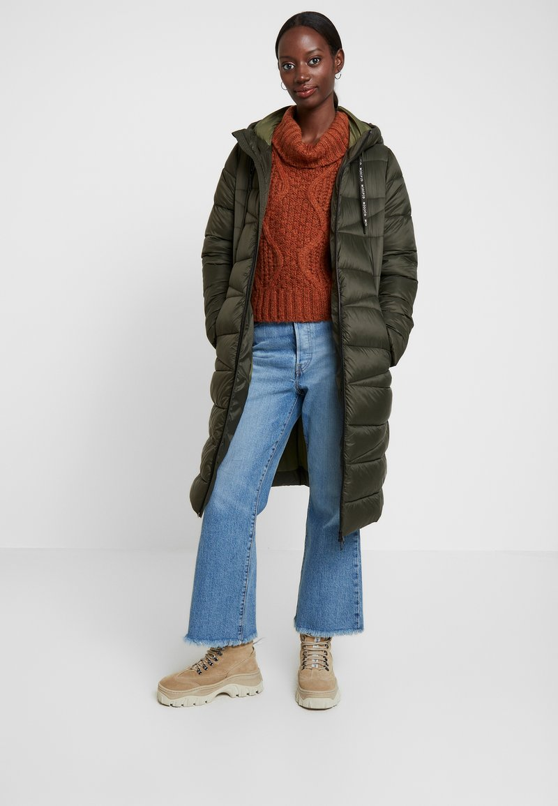 Marc O'Polo DENIM - COAT QUILTED PUFFER 2IN1 OPTIC - Cappotto invernale - action green