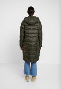 Marc O'Polo DENIM - COAT QUILTED PUFFER 2IN1 OPTIC - Cappotto invernale - action green - 2
