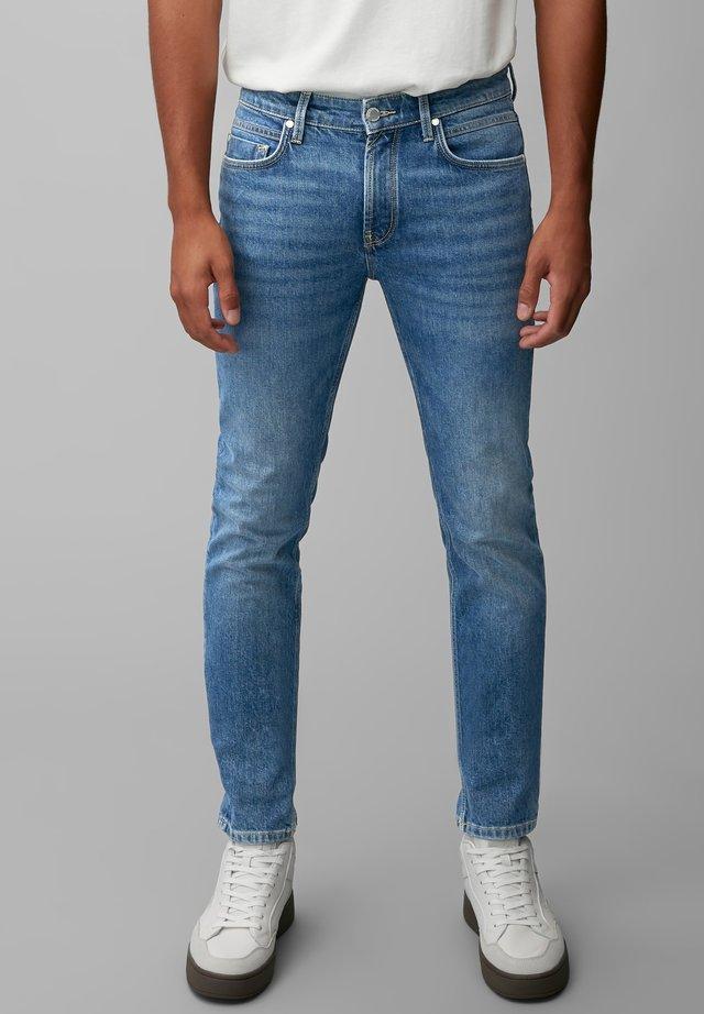 VIDAR SLIM FIT - Slim fit jeans - mid blue