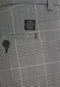 Shine Original - CHECKED CLUB TROUSERS - Pantaloni - grey - 2