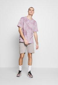 Shine Original - GARMENT DYED - Teplákové kalhoty - light grey - 1