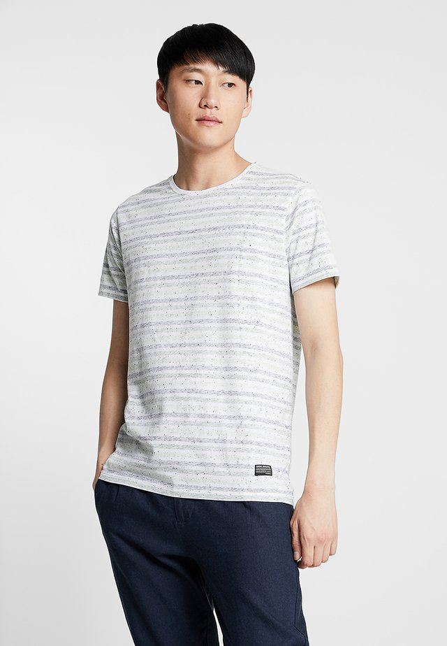 STRIPE TEE - Print T-shirt - green