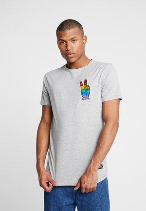 TEE CURVED BOTTOM - T-shirt med print - grey melange