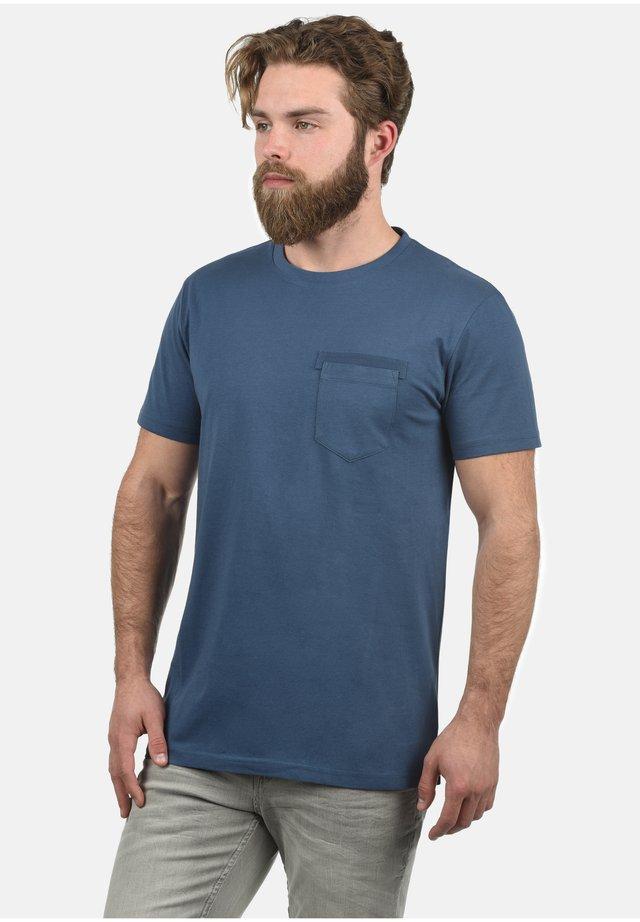 REGULAR FIT - Basic T-shirt - night blue