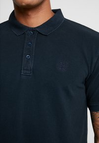 Shine Original - DYED AND WASHED OUT  - Poloshirts - navy - 5