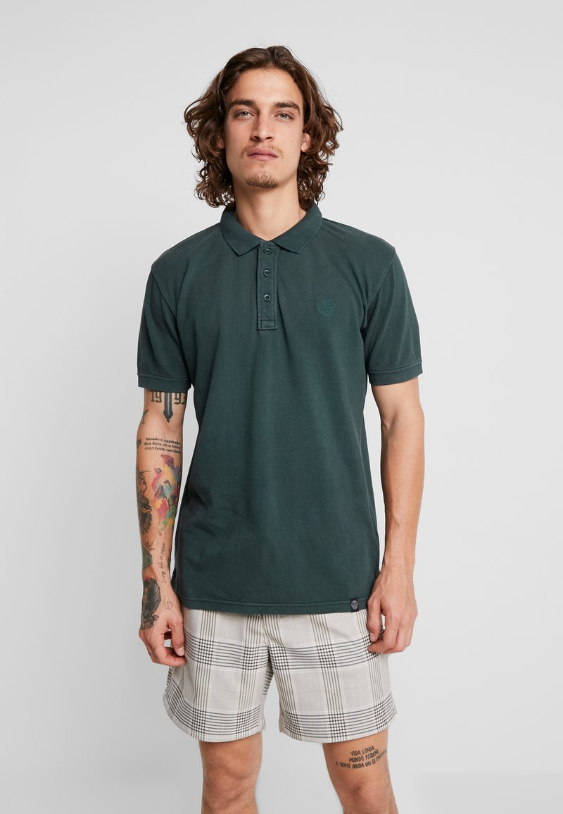 Shine Original - DYED AND WASHED OUT  - Polo shirt - dark green
