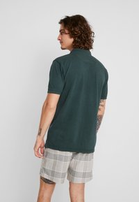 Shine Original - DYED AND WASHED OUT  - Poloskjorter - dark green - 2