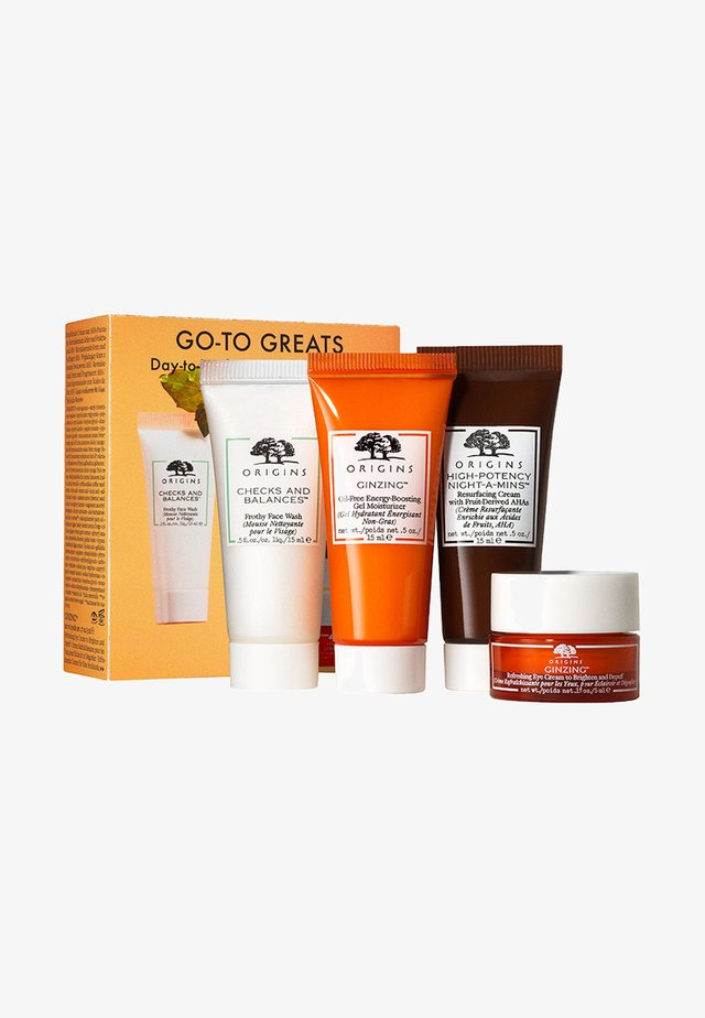 TRAVEL & TRIAL SET - Skincare set - -