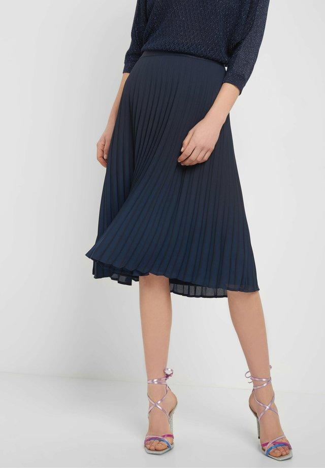 PLISSEEROCK - A-line skirt - tintenblau