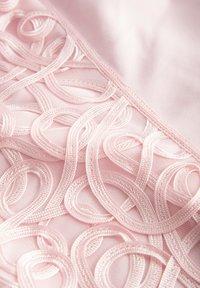 ORSAY - ORSAY ELEGANTES KLEID - Shift dress - cradle red - 4