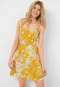 ORSAY - Day dress - herbstgelb - 0