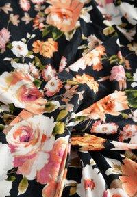 ORSAY - MIT BLUMENMUSTER - Jersey dress - schwarz - 3