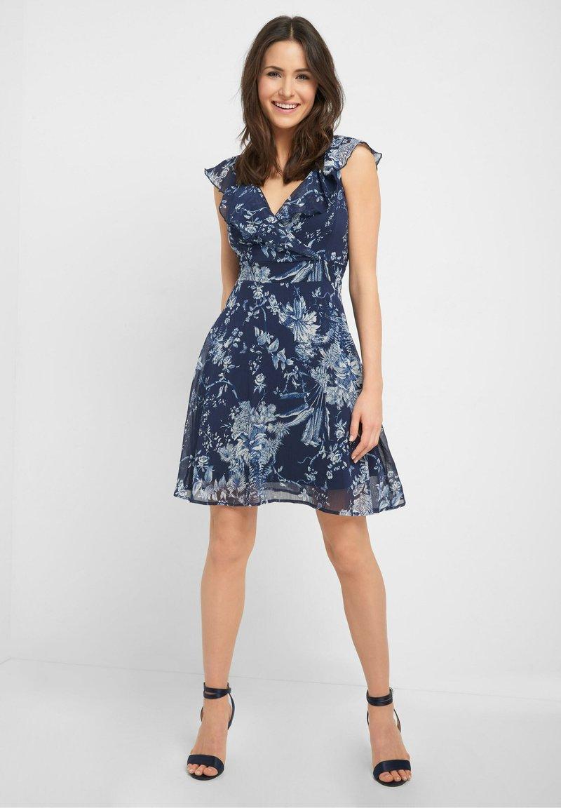 ORSAY - MIT MUSTER - Day dress - tintenblau