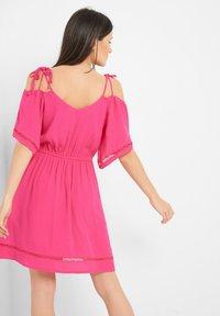 ORSAY - Day dress - leuchtrosa - 1