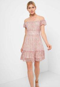 ORSAY - MIT BLUMENMUSTER - Day dress - rosé - 1
