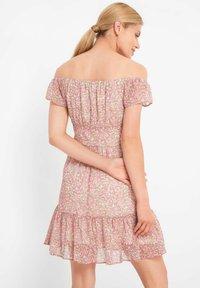 ORSAY - MIT BLUMENMUSTER - Day dress - rosé - 2