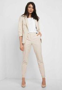 ORSAY - ELEGANTER  - Blazer - beige/grey - 1