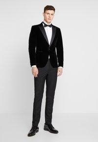 Only & Sons - ONSMANNY TUX - Suit jacket - black - 1