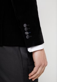 Only & Sons - ONSMANNY TUX - Suit jacket - black - 5
