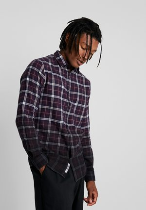 ONSKIRK DIP DYED CHECK - Camicia - zinfandel
